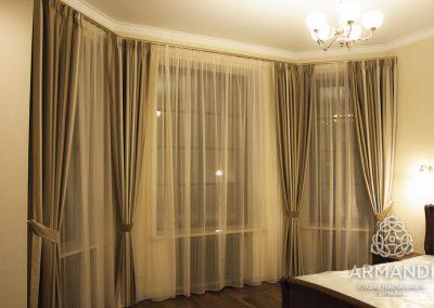 Элегантные шторы в интерьере спальни