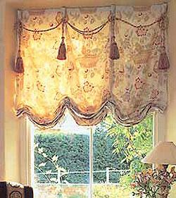 Австрийские шторы для гостиной